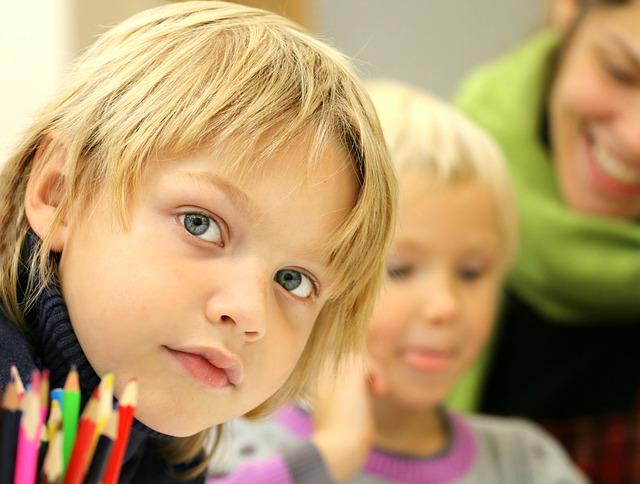 Photo of Statul va începe acordarea celor de 500 de euro pentru educație copiilor născuți după 9 februarie 2011