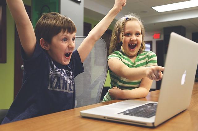 Photo of Studiu: Copiii din Romania petrec peste 5 ore pe zi pe retelele sociale
