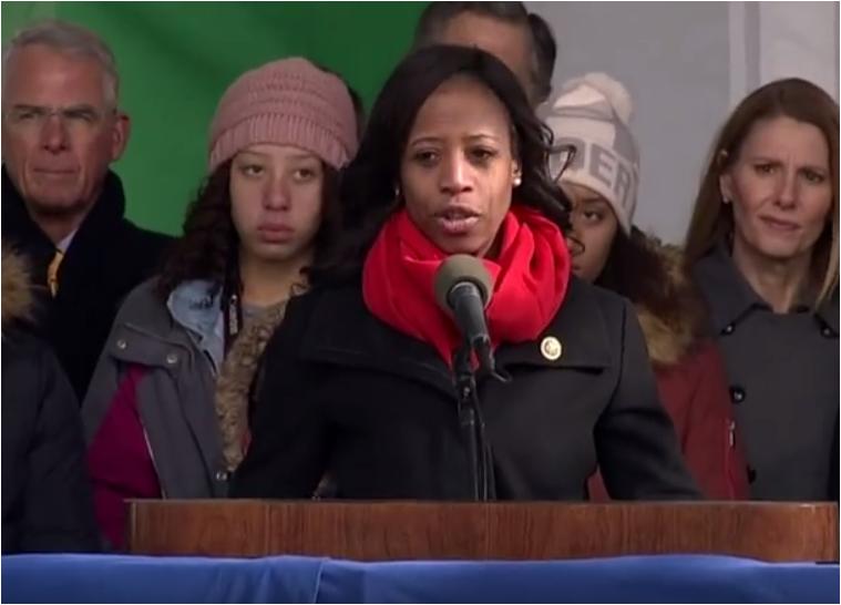 """Photo of VIDEO: Discursul în lacrimi al Miei Love, supraviețuitoare a avortului și membră a Congresului SUA, la Marșul pentru viață 2017 de la Washington: """"De fiecare dată când ucidem un copil prin avort ucidem potențialul nostru"""""""