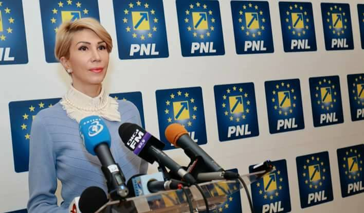 Photo of Raluca Turcan, președinte PNL, susține referendumul, dar cu amendamentul Andronache. Ea susține și parteneriatul civil pentru homosexuali