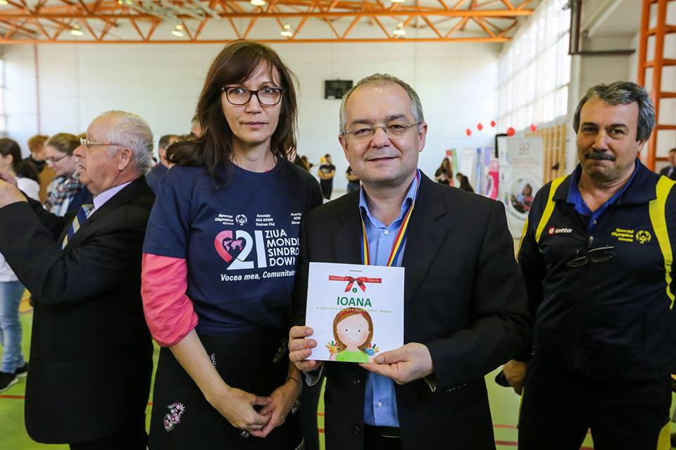 """Photo of FOTO: Cartea """"IOANA. O poveste despre Sindromul Down"""" lansată la Cluj. Luna pentru Viață 2017 susține World Down Syndrome Day 2017"""