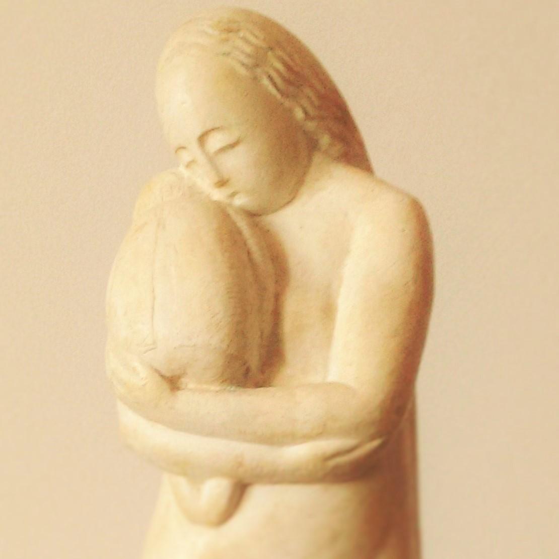 Photo of Sculptura Maternitate de Romul Ladea este Exponatul Lunii Martie la Muzeul de Artă – Complexul Muzeal Arad