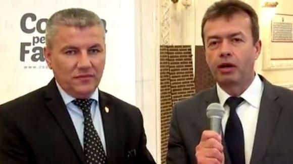 """Photo of VIDEO. Interviu cu Senatorul Ioan Deneș: """"Șansele să se organizeze acest referendum sunt foarte mari. Dar pericolul este parteneriatul civil pentru altfel de cupluri. Inițiatorii doresc să eludeze noțiunea de familie constituită dintr-un bărbat și o femeie și s-ar anula această inițiativă unică"""""""