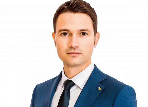 """Photo of TEXT + VIDEO. Dep. Robert Sighiartău: """"Suntem martorii unei revoluții culturale care, dacă va triumfa, va avea repercusiuni dramatice asupra societății românești și asupra viitorului copiilor noștri. Are potențialul de a distruge însuși conceptul de căsătorie și libertatea religioasă"""""""