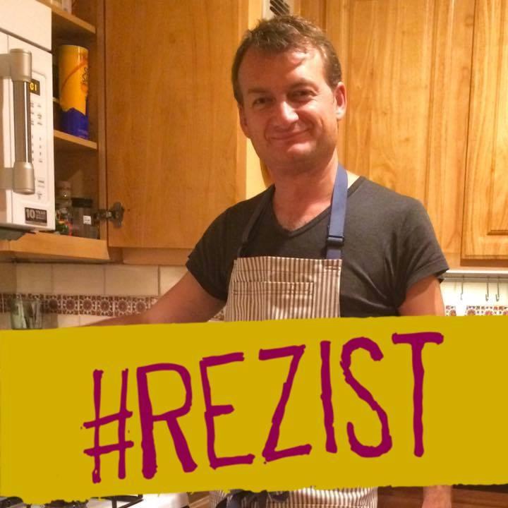 """Photo of Cine este Adrian Relu Coman, homosexualul român al cărui caz ar putea duce la impunerea """"căsătoriei"""" între persoane de același sex în întreaga Uniune Europeană"""