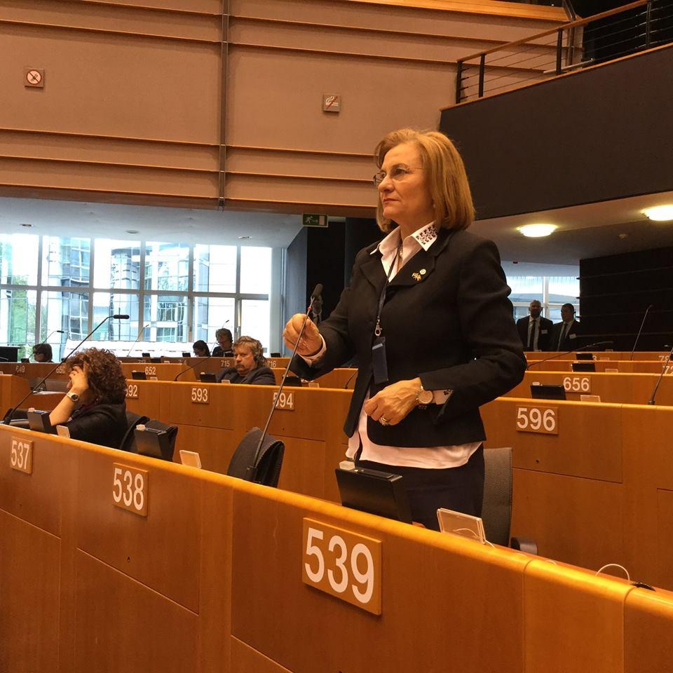 Photo of Maria Grapini, cum a votat la referendum și ce crede despre parteneriatele civile