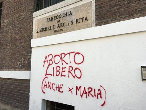 Photo of Parohul unei biserici catolice din Milano îi răspunde pe Facebook autorului anonim al unui graffiti blasfemiator cu mesaj pro-avort