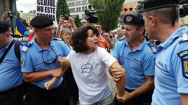 Photo of Strategia de imagine a comunității LGBT – adevărata miză a rolului ieftin jucat de actrița Oana Mardare