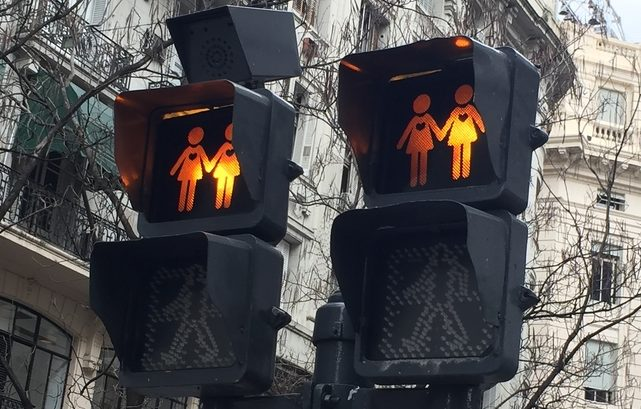 """Photo of Înalta Curte de Justiție din Irlanda de Nord: Statele membre UE nu sunt obligate să legifereze """"căsătoria"""" între persoane de același sex"""