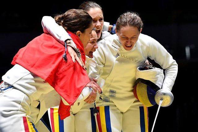 """Photo of VIDEO. Fetele de aur de la Rio, la un an de la Olimpiadă: Simona Gherman a reușit și """"dubla de aur"""" – două fete și o familie fericită, iar Simona Pop așteaptă un copil"""