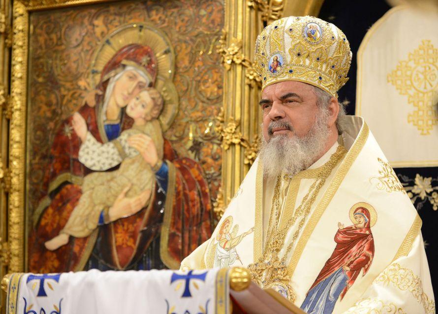 """Photo of 8 Septembrie, Nașterea Maicii Domnului. PF Daniel, Patriarhul Bisericii Ortodoxe Române: """"Toată cinstea și slava Maicii Domnului vin din calitatea ei de Mamă, Născătoare de Dumnezeu"""""""