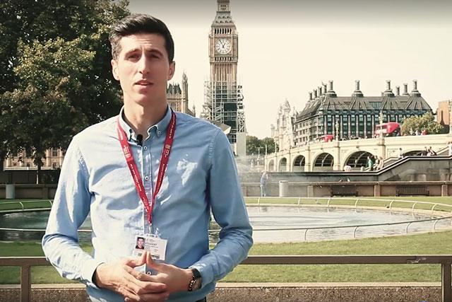 Photo of VIDEO. Londra: Tinerii din diaspora vor familii cu mamă și tată și le transmit senatorilor să aprobe organizarea referendumului
