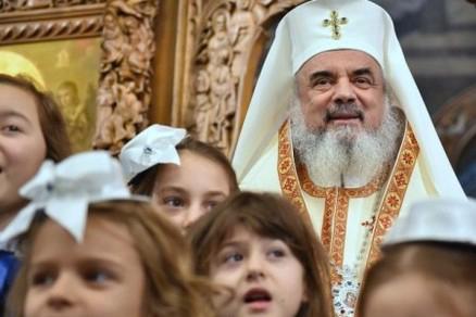 """Photo of Din cuvântul Părintelui Patriarh Daniel la Praznicul Nașterii Maicii Domnului: """"Unii au copii, dar îi avortează din nefericire, iar alții, care nu pot avea copii, și-ar dori să aibă"""""""