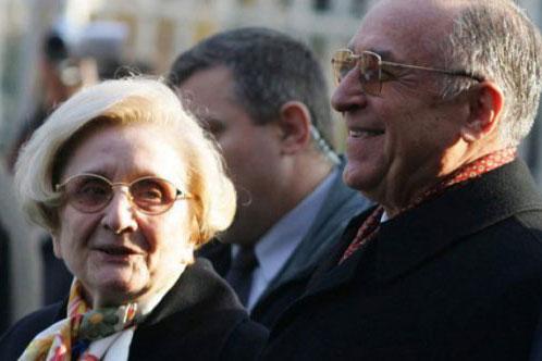 Photo of Fostul președinte Ion Iliescu îi aduce un omagiu impresionant soției după 66 de ani de căsnicie