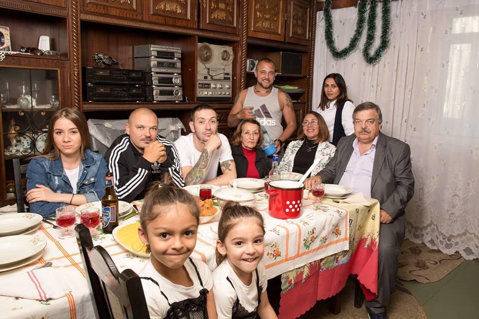 """Photo of Sișu și Puya (La Familia) despre intoleranța """"toleranților"""": """"Când încercăm să impunem cu agresivitate O SINGURĂ părere ca fiind cea bună, revenim încet-încet la COMUNISM"""""""