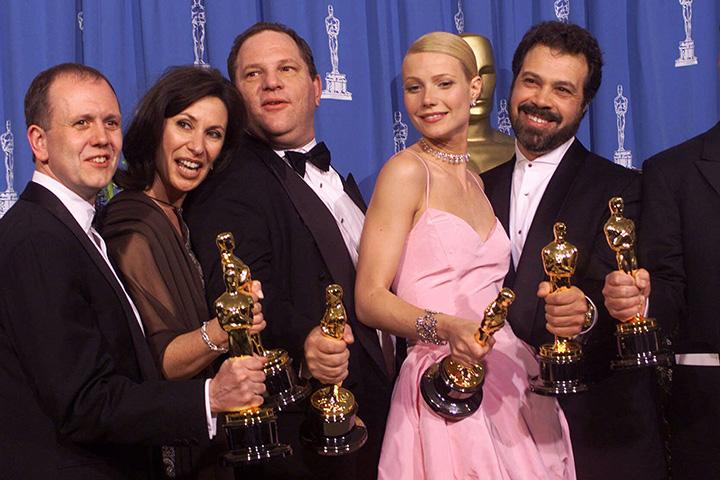 Photo of Feministele radicale de la Hollywood nu au suflat o vorbă despre abuzul sexual ca mod de lucru în cinematografie. Cu fiecare scenă de nuditate pe care o privim, și noi participăm la acesta