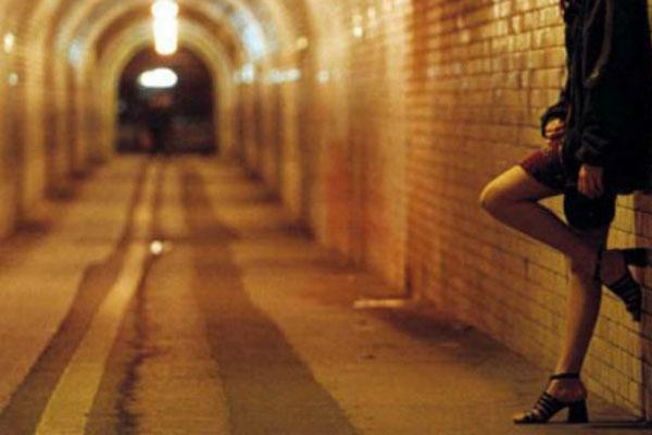 Photo of Româncele din bordelurile Germaniei. Legalizarea prostituției favorizează traficul de persoane