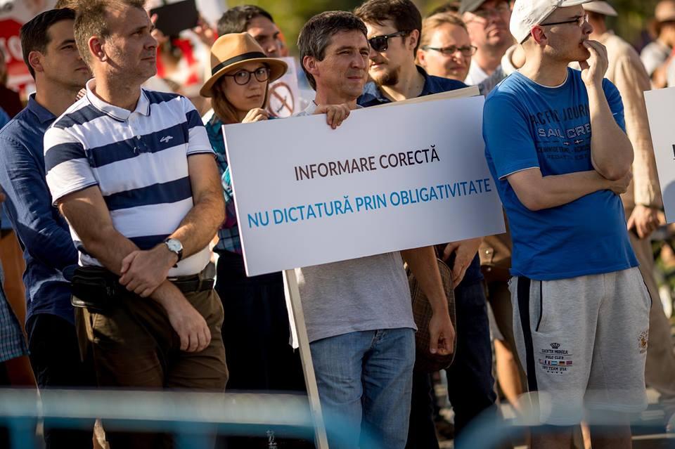 Photo of IMPRESIONANT VIDEO PRO-ALEGERE. Programul pichetelor cetățenești la Parlament: Protest la legea care instituie obligativitatea universală a vaccinării