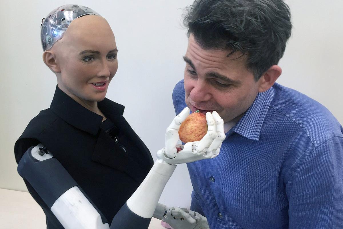 "Photo of Robotul, etica, familia și un posibil ""delict de ură"" la orizont: ""robofobia"""