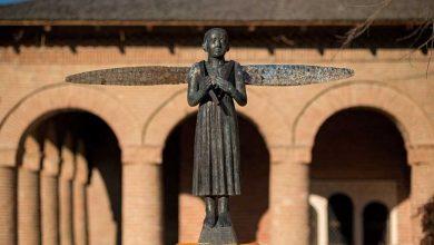 """Photo of Sculptorul Virgil Scripcariu a inaugurat expoziţia itinerantă """"PROMENADĂ"""", care celebrează viaţa şi maternitatea, la Palatul Brâncovenesc de la Mogoşoaia"""