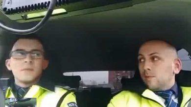 """Photo of SWEET! Poliţia Rutieră a """"comis"""" cel mai simpatic colind de Crăciun"""