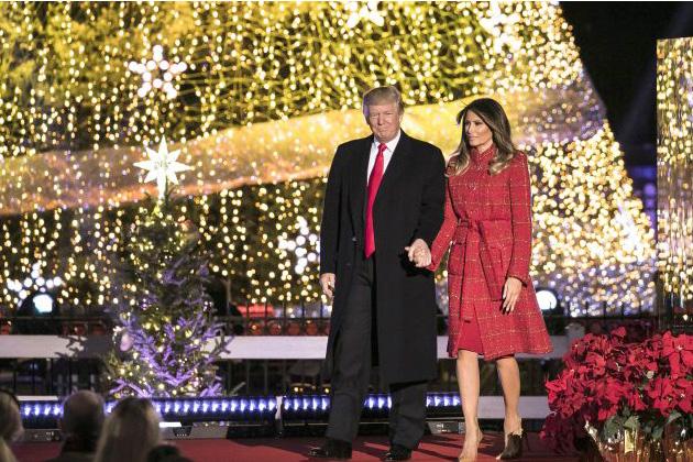 Photo of Aprinderea Luminilor de Crăciun la Casa Albă: Alături de Prima Doamnă SUA, Președintele Trump aduce un omagiu familiei sale și tuturor familiilor americane
