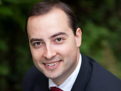 Photo of Filip-Lucian Iorga, scriitor, despre educația formatoare care se face în familie