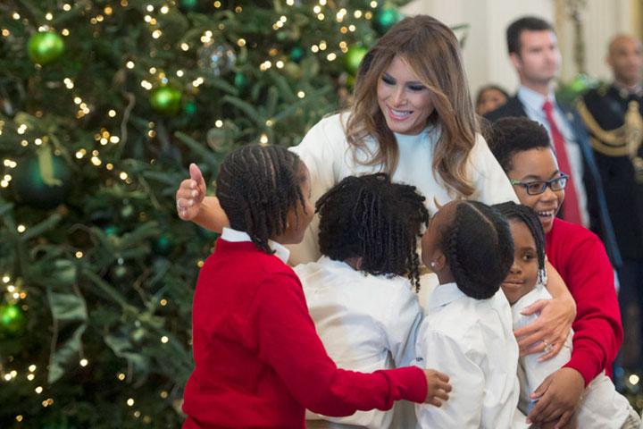 """Photo of FOTO, VIDEO. Anul acesta, scena Nașterii Pruncului Iisus și urarea """"Crăciun fericit!"""" se întorc la Casa Albă"""