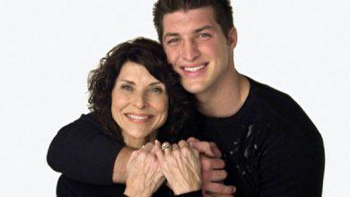 Photo of Clipul VIDEO care a schimbat inimile a milioane de americani: Pam și Tim Tebow, mamă și fiu, despre familie și darul vieții