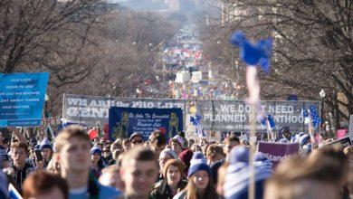 Photo of FOTO: Sute de mii de americani la Marșul pentru Viață de la Washington, DC. Vezi MESAJELE lor