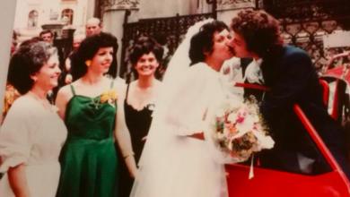 Photo of O ceremonie de căsătorie dintr-o bisericuță românească din vremea comunismului leagă peste ani două familii de pe două continente