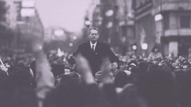 """Photo of Alin Vara, blogger: """"Învierea unui popor"""""""
