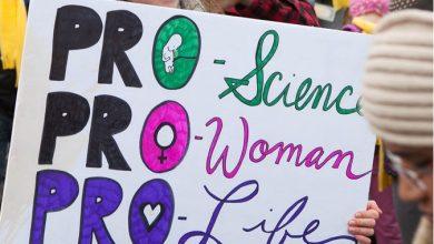 """Photo of AlexandraNadane.ro: """"Trei întrebări istețe de la o elevă isteață. Pro-viață, anti-avort și discuția despre viață în spațiul public"""""""
