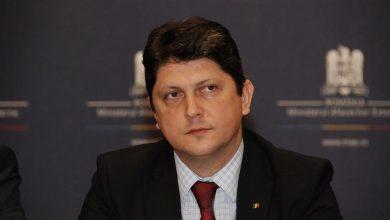 """Photo of Sen. Titus Corlățean în Parlament, interpelare către Premier: """"Preocupări față de promovarea ideologiei Transgender/LGBT în sistemul educațional românesc"""""""