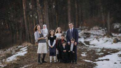 Photo of FOTO. Familia Bodnariu, mesaj de recunoștință, la doi ani de la întoarcerea copiilor în sânul familiei