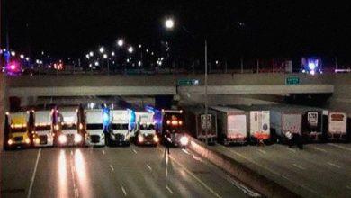 Photo of 13 tiruri s-au aliniat sub un pod din Detroit, pentru a salva un om care voia să se sinucidă