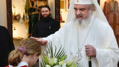 """Photo of PF Daniel, Patriarhul Bisericii Ortodoxe Române: """"Familia este cununa creației și mediul în care omul-copil începe să înțeleagă taina iubirii părintești a lui Dumnezeu"""""""