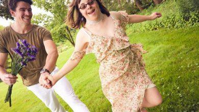Photo of VIDEO emoționant: un model își surprinde sora cu Sindrom Down cu o ședință foto profesională de ziua ei