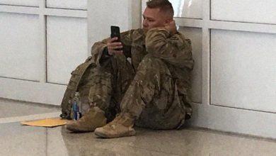 Photo of Instantaneu INSPIRAȚIONAL. Și soldații plâng, nu-i așa?… Când devin tătici!