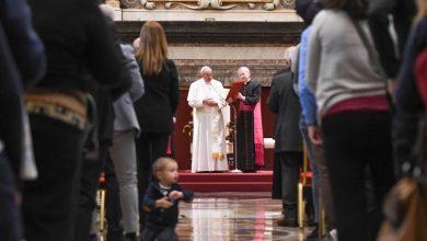 """Photo of Papa Francisc: """"Nașterea de copii este cea mai mare investiție pentru o țară și prima condiție pentru prosperitatea viitoare"""""""
