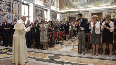 """Photo of Papa Francisc: """"Familia umană după chipul lui Dumnezeu, dintr-un bărbat și o femeie, este una singură"""""""