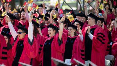 Photo of Administrația Trump încurajează universitățile să admită studenții exclusiv pe criterii academice, nu în funcție de etnie, rasă, gen, origine socială