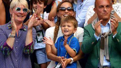 """Photo of """"Tati! Tati!"""" Cel mai frumos premiu după ce Novak Djokovic a câștigat al patrulea trofeu la Wimbledon"""