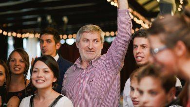 Photo of Presat de useriști să-și schimbe fotografia pe Facebook, gospodarul sas Willy Schuster votează DA la referendum
