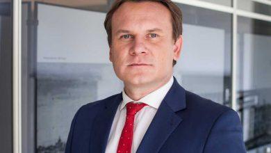 """Photo of Dominik Tarczyński, parlamentar polonez: Niciun imigrant ilegal în Polonia. Putem fi numiți """"rasiști"""", dar mie-mi pasă de familia și țara mea"""