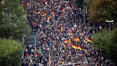 """Photo of FOTO. 15.000 în stradă la Chemnitz, în Germania: Cine sunt și ce vor protestatarii prezentați de mainstream media ca """"extremă dreaptă"""""""
