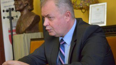 Photo of Liberalul Cătălin Flutur, primarul Botoșaniului, votează pentru familia naturală la referendum