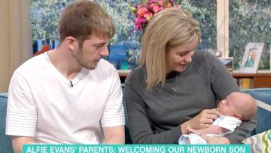"""Photo of S-a născut frățiorul lui Alfie Evans. Tatăl, Thomas: """"Vom avea mereu doi copii minunați"""""""