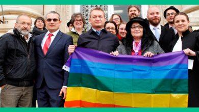 Photo of USR vrea să-l trimită în Parlamentul European pe homosexualul Adrian Coman, cunoscut activist LGBT