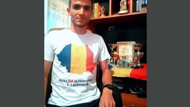 """Photo of De ce a plătit un italian homosexual un tricou """"DA la referendum"""" ?"""